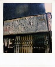http://photo.mollywoodward.com/files/gimgs/th-54_25_mollywoodwardpolaroids007.jpg