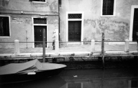 http://photo.mollywoodward.com/files/gimgs/th-73_MollyWoodward_35mm_Venice_025.jpg