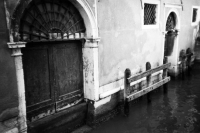 http://photo.mollywoodward.com/files/gimgs/th-73_MollyWoodward_35mm_Venice_031.jpg