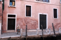 http://photo.mollywoodward.com/files/gimgs/th-91_Molly Woodward Photos Venice Italy_018.jpg