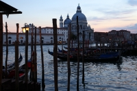 http://photo.mollywoodward.com/files/gimgs/th-91_Molly Woodward Photos Venice Italy_106.jpg